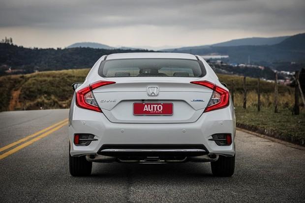 Novo Honda Civic Touring 2020 recebe leve reestilização e descarta recursos avançados de segurança (Foto: Rafael Munhoz/Autoesporte)