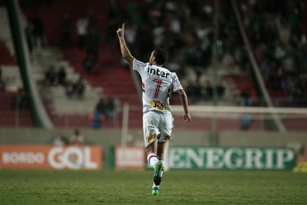Nenê é o artilheiro do São Paulo na temporada, com dez gols (Foto: Pedro Vale / Estadão Conteúdo)