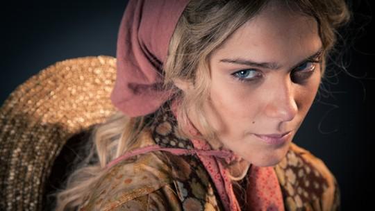 Isabella Santoni vira Luana e se emociona ao lembrar de trajetória