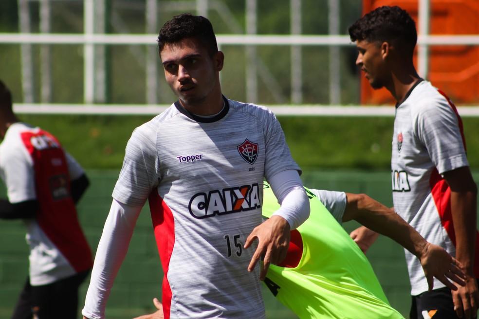 d7a35002eadcf ... Luan tem chances de ficar à disposição de Vagner Mancini para a partida  contra o Fluminense