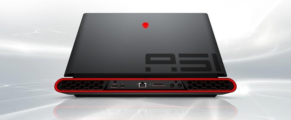 Alienware Area-51M chama atenção pelo visual robusto  — Foto: Divulgação/Dell