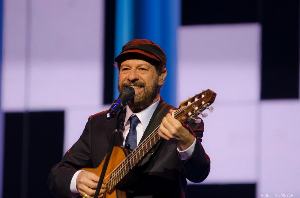 O cantor João Bosco se apresenta no Teatro RioMar (Foto: Beti Niemeyer/Divulgação )