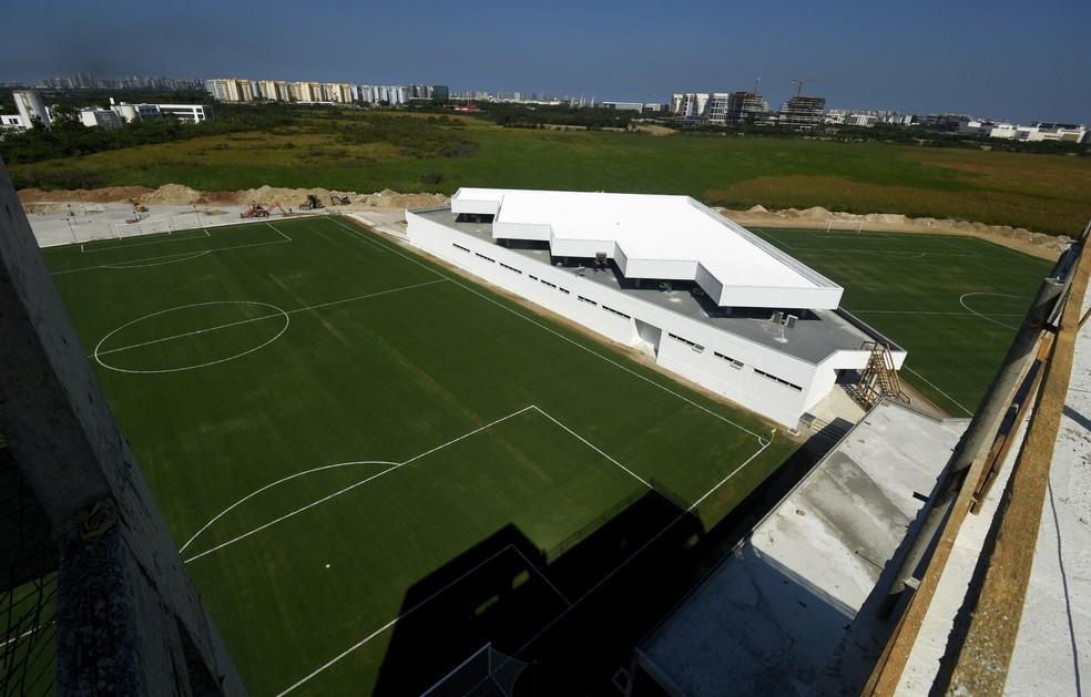 Campos um e dois do CT estão separados pelo vestiário principal — Foto: Fluminense / Divulgação