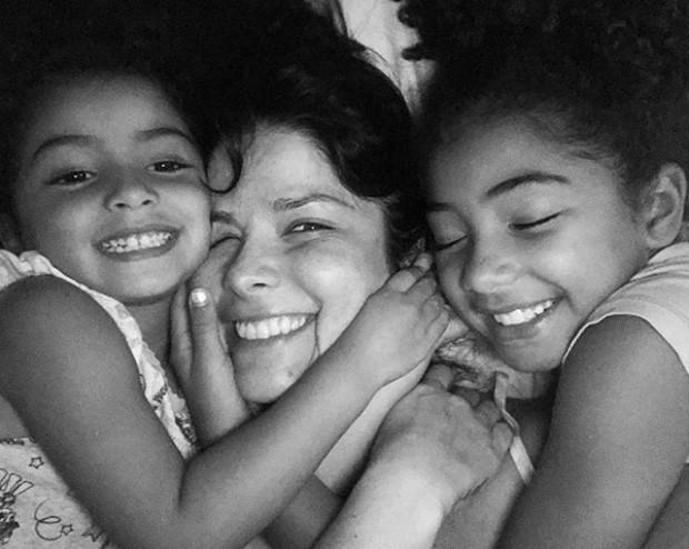 Samara Felippo e as filhas, Lara e Alícia (Foto: Reprodução/Instagram)