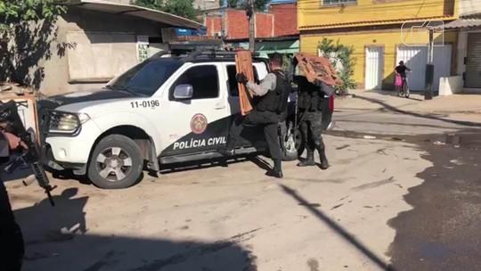 Polícia recupera parte de obras de arte roubadas na Via Dutra, no RJ