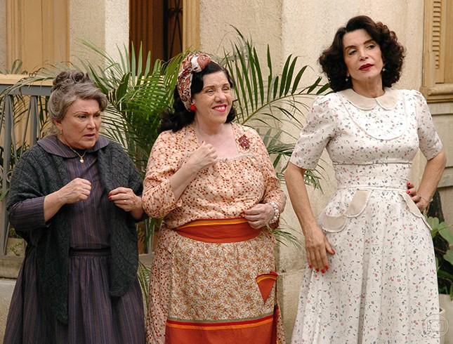 Nicette Bruno, Neusa Maria Faro e Lady Francisco em Alma Gêmea (2005) (Foto: Márcio de Souza/TV Globo)