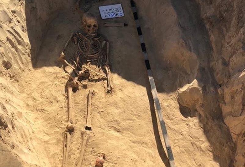 O túmulo escavado do que acreditam ter sido uma guerreira amazona.  (Foto: Mamia Gora )