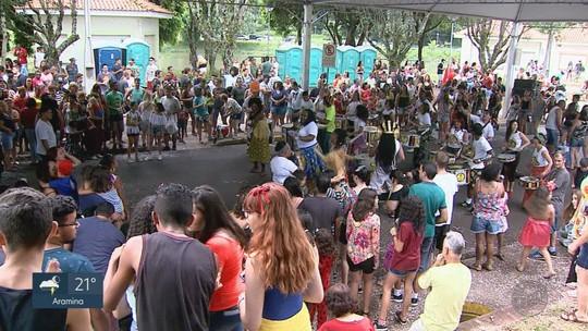 Grupo 'Que Bloco é esse?' leva samba-reggae às ruas de Batatais, SP