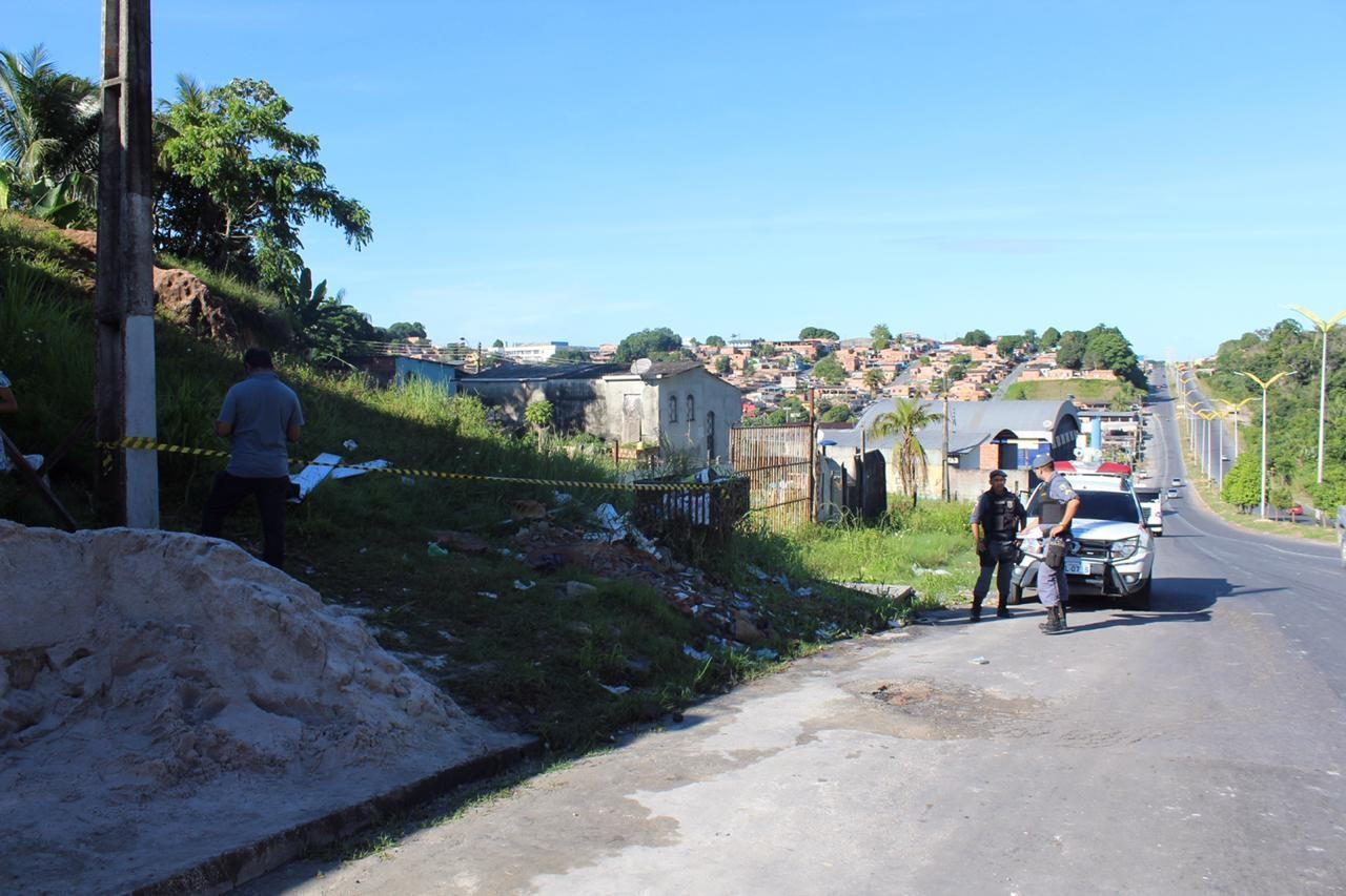 Passageiro reage a assalto e mata suspeito a facadas dentro de ônibus, em Manaus - Noticias