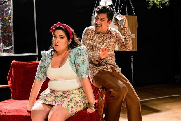 Mariana Xavier e Paulo Mathias Jr. em cena na peça O Último Capítulo (Foto: Divulgação)