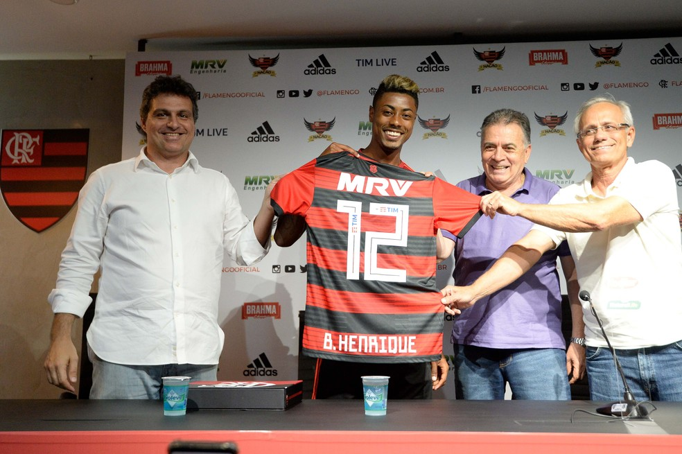 Bruno Spindel, Bruno Henrique, Paulo Pelaipe e Reinaldo Belotti — Foto: Alexandre Vidal / Flamengo