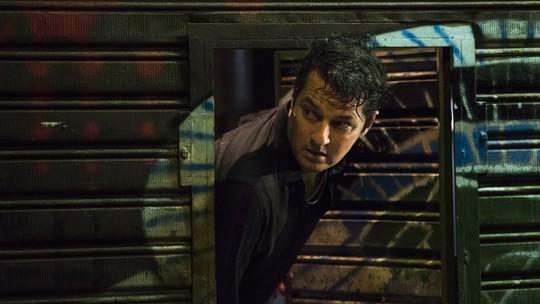 Teaser: Malagueta se joga pela janela e foge da polícia