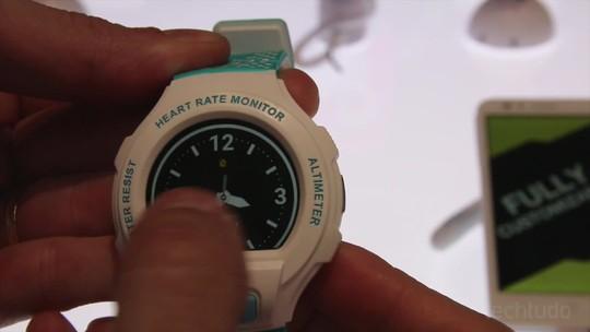 Testamos o Alcatel GoWatch: smart com cara de G-Shock é custo x benefício