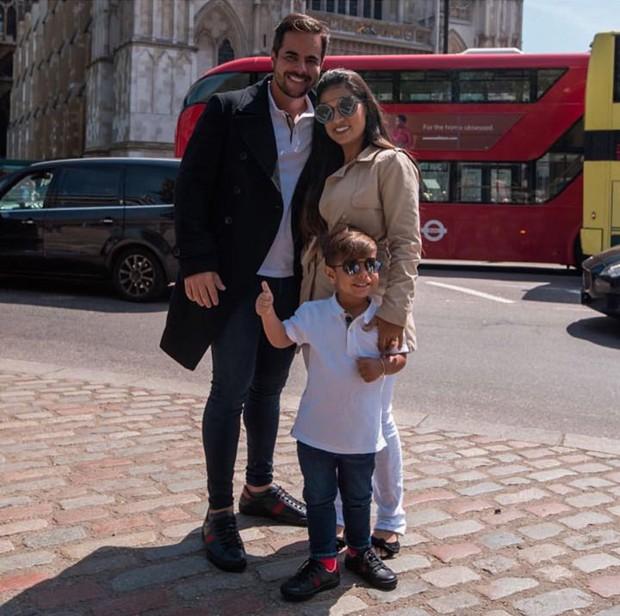Simone com o marido, Kaká Diniz, e o filho, Henry (Foto: Reprodução/Instagram)