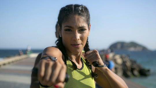 Barbara Reis mostra treino para o Carnaval: 'Tudo para chegar linda e arrasar'