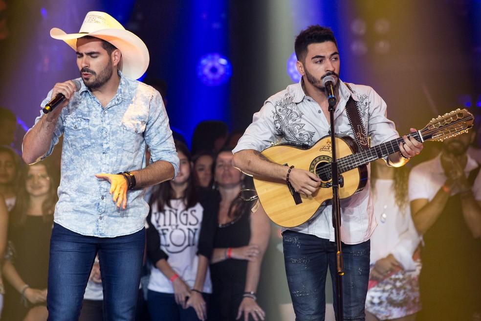 Alysson e Adysson arrasaram com o sucesso 'No Rancho Fundo' (Foto: Fábio Rocha/Gshow)