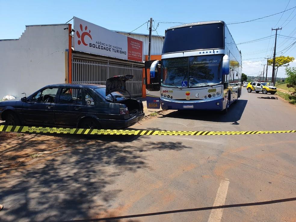 Suspeitos trocaram tiros com policiais após tentativa de assalto, em Foz do Iguaçu — Foto: Vinicius Machado/RPC Foz do Iguaçu