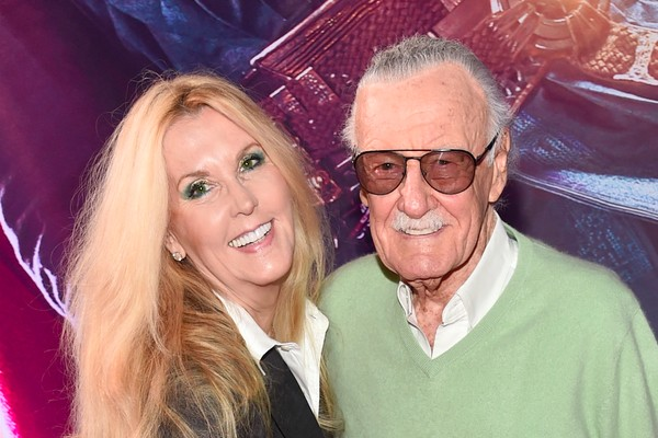 O quadrinista Stan Lee e sua filha Joan Celia Lee (Foto: Getty Images)