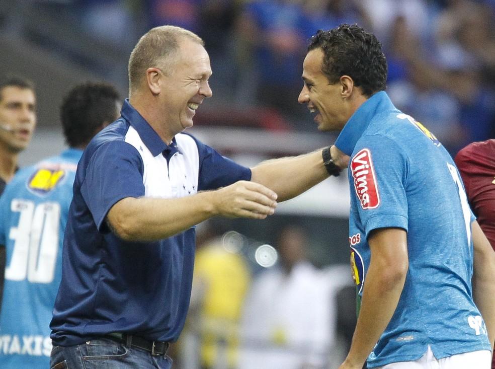 Damião foi uma das peças importantes de Mano no Cruzeiro em 2015 — Foto: Washington Alves/Light Press