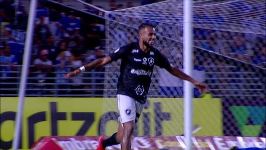 Após bater CSA no turno, Botafogo entrava no G-4 e era seguido pelo líder; hoje luta contra a degola
