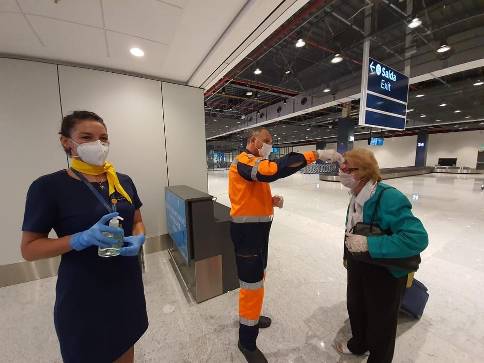 Aferição da temperatura corporal é feita desde março em passageiros que desembarcam no Aeroporto Internacional Hercílio Luz, em Florianópolis — Foto: Prefeitura de Florianópolis/Divulgação
