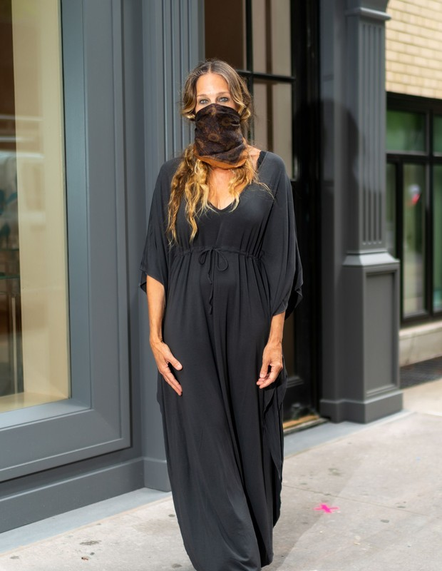 NEW YORK, NEW YORK - JULY 07: Sarah Jessica Parker is seen at her new shoe store in Midtown on July 07, 2020 in New York City. (Photo by Gotham/GC Images) (Foto: GC Images)