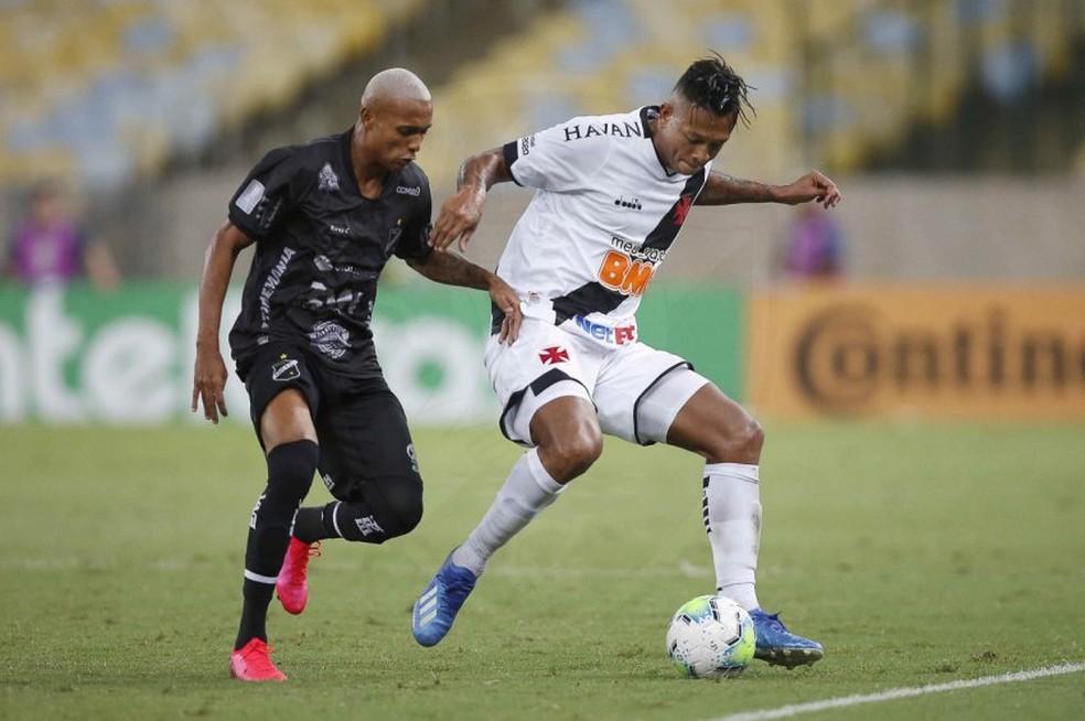 Guarín teve boa atuação contra o ABC pela Copa do Brasil — Foto: Rafael Ribeiro/Vasco