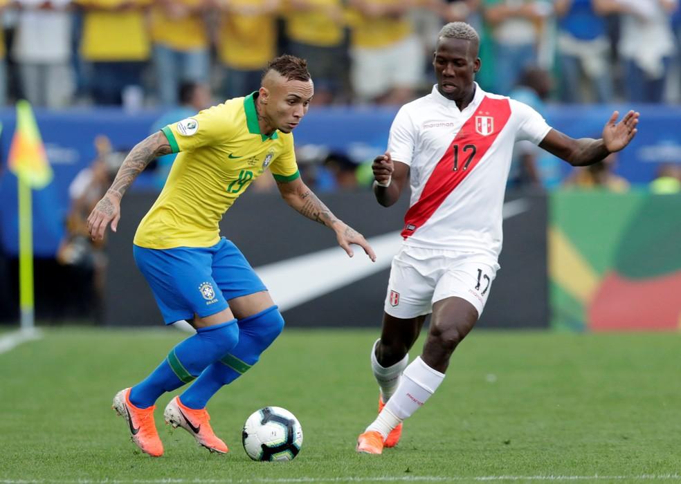 Everton brilhou com o Brasil na Copa América — Foto: REUTERS/Henry Romero