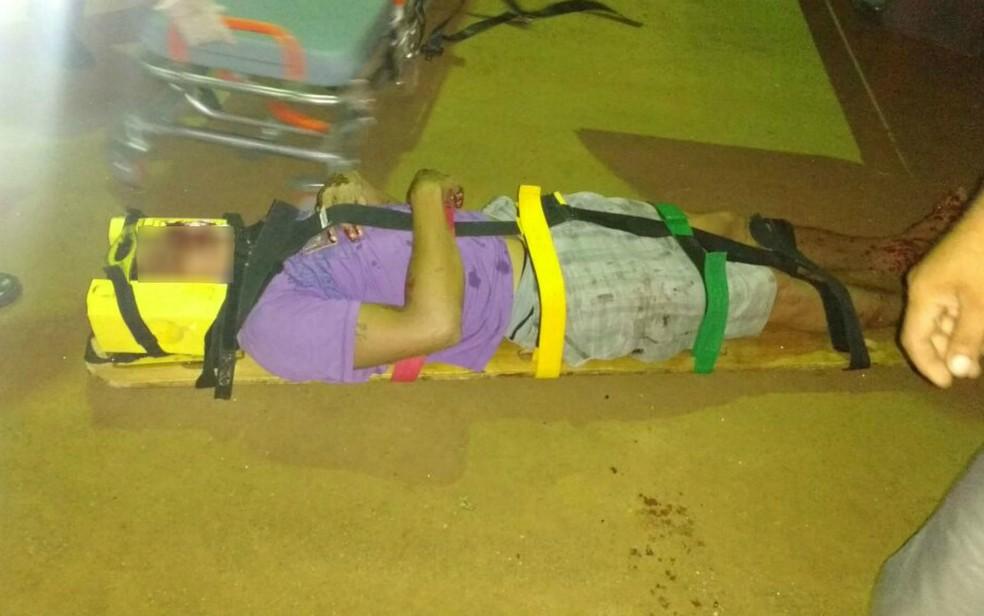 Suspeito ficou ferido e foi levado para hospital (Foto: Portal Vilson Nunes)