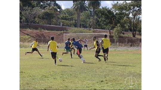 Primeiro dia de seletiva do Montes Claros E.C reúne jovens atletas de várias cidades do Norte de MG