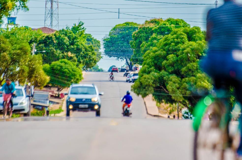 Plano de Mobilidade Urbana contempla calçada com acessibilidade em Santana, segundo Setrap (Foto: Maksuel Martins/GEA)