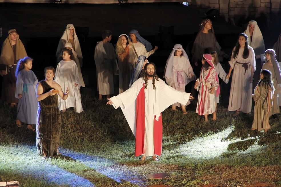 'Paixão de Cristo' em Jaguariúna (SP) terá narração de Cid Moreira. — Foto: Ivair Oliveira/Divulgação