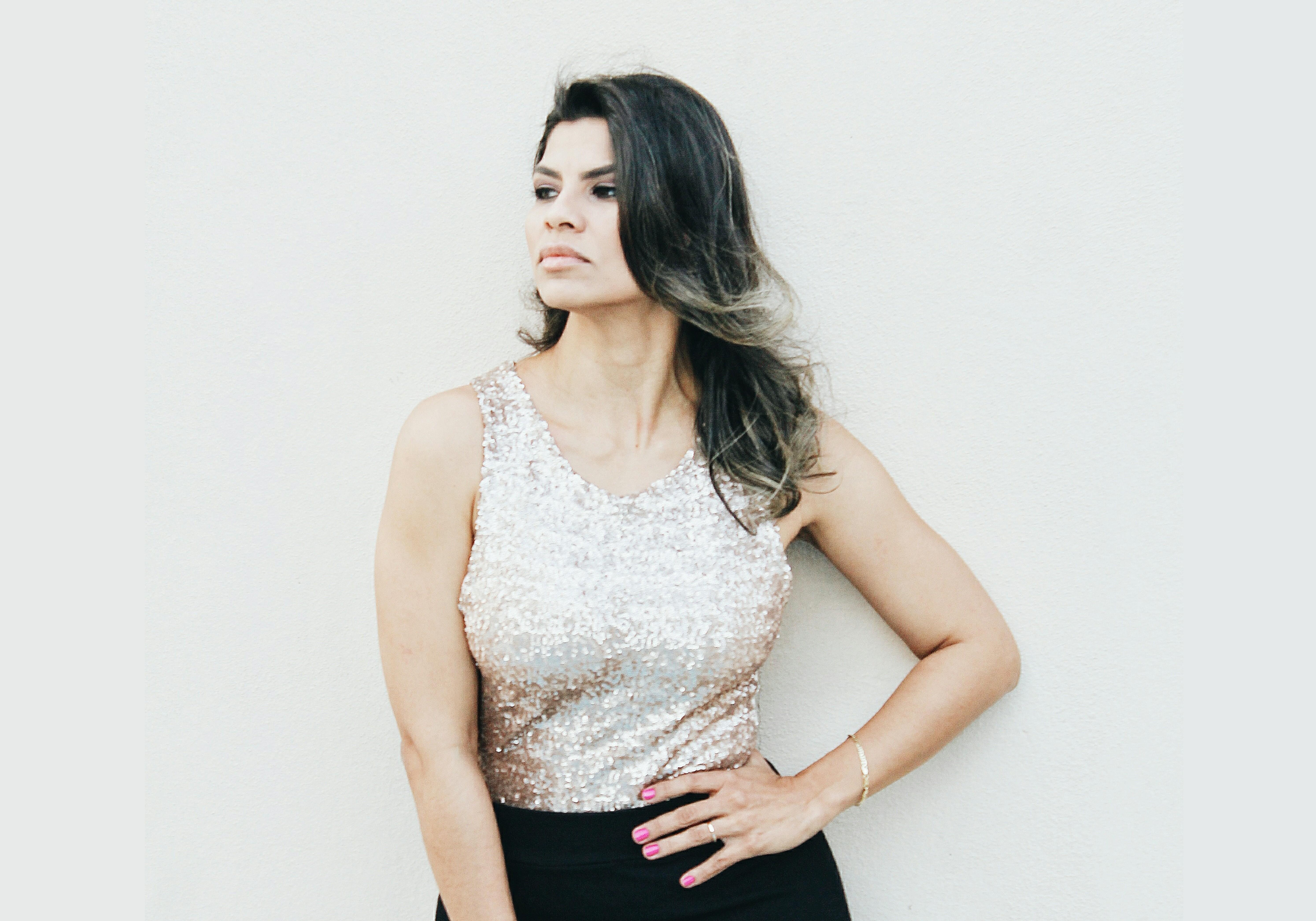 Cantora amapaense homenageia sambista Cartola com show 'O mundo é um moinho'