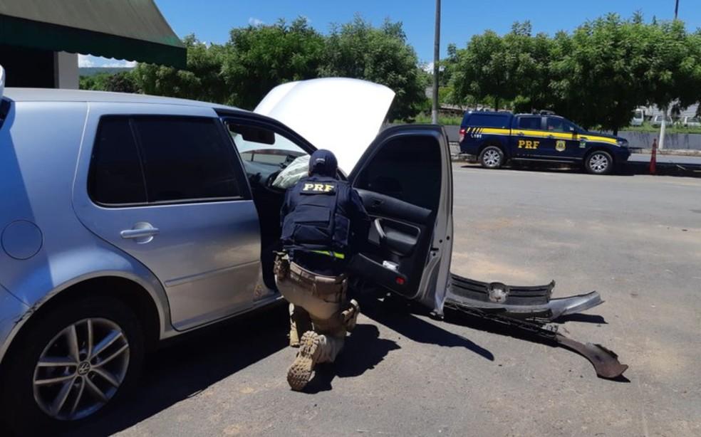 Veículo foi roubado no Distrito Federal em dezembro do ano passado e recuperado após ação em Barreiras — Foto: Divulgação/PRF