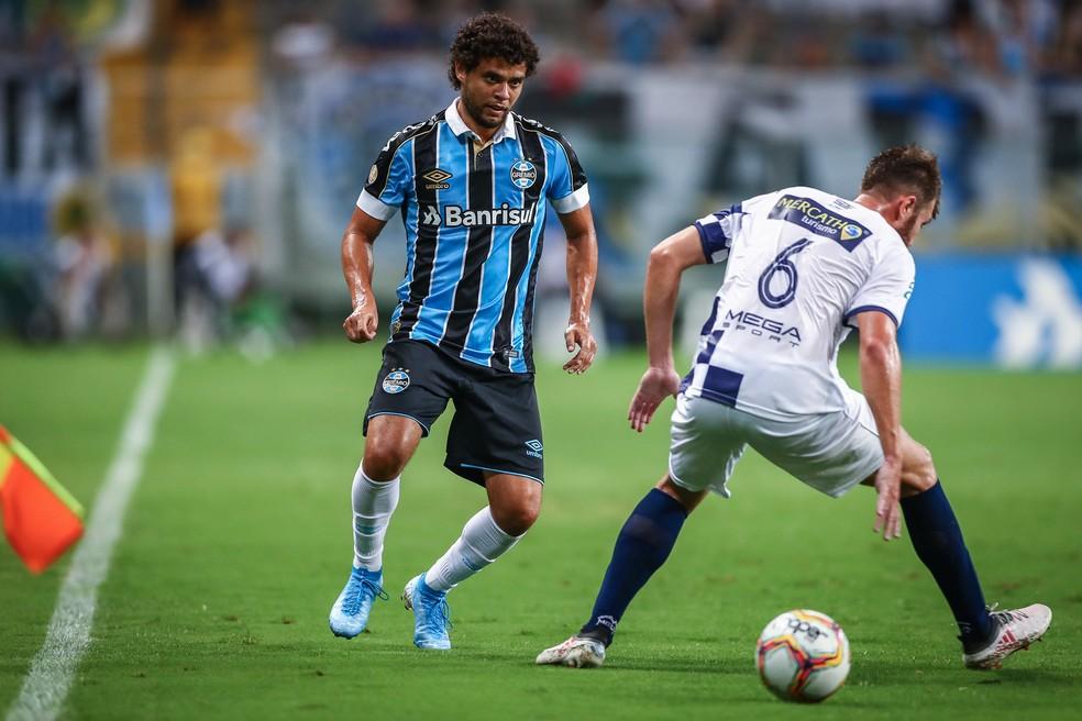 Victor Ferraz é um dos estreantes do lado gremista — Foto: Lucas Uebel/DVG/Grêmio