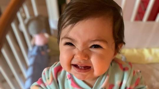 Tatá Werneck mostra a filha falando 'papá' e brinca: 'Quero ver falar estetoscópio'