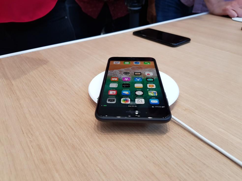 f796301c66f ... iPhone 8, iPhone 8 Plus e iPhone X têm suporte para carregador sem fio (