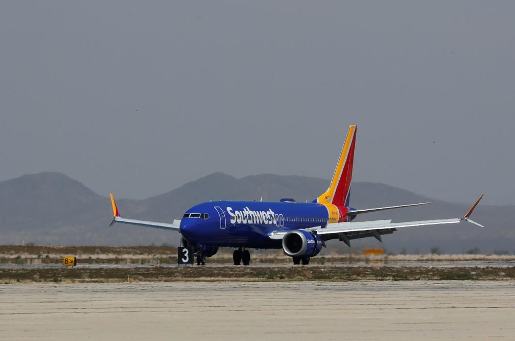 Boeing 737 MAX da Southwest, do mesmo modelo do que precisou fazer pouso de emergência na Flórida nesta terça-feira (26) — Foto: Mike Blake/Reuters