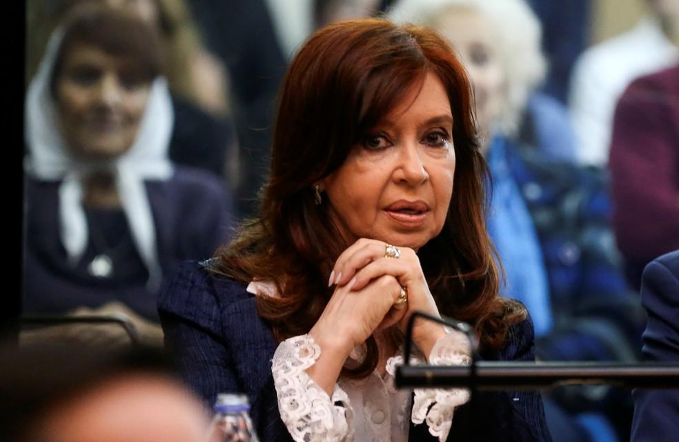 A ex-presidente da Argentina, Cristina Kirchner, no tribunal nesta terça-feira (21). — Foto: Agustin Marcarian/Reuters