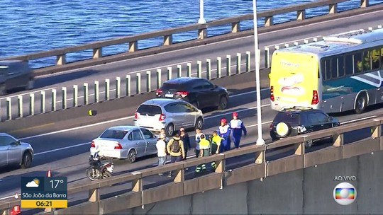 Acidente complica trânsito na Ponte Rio-Niterói