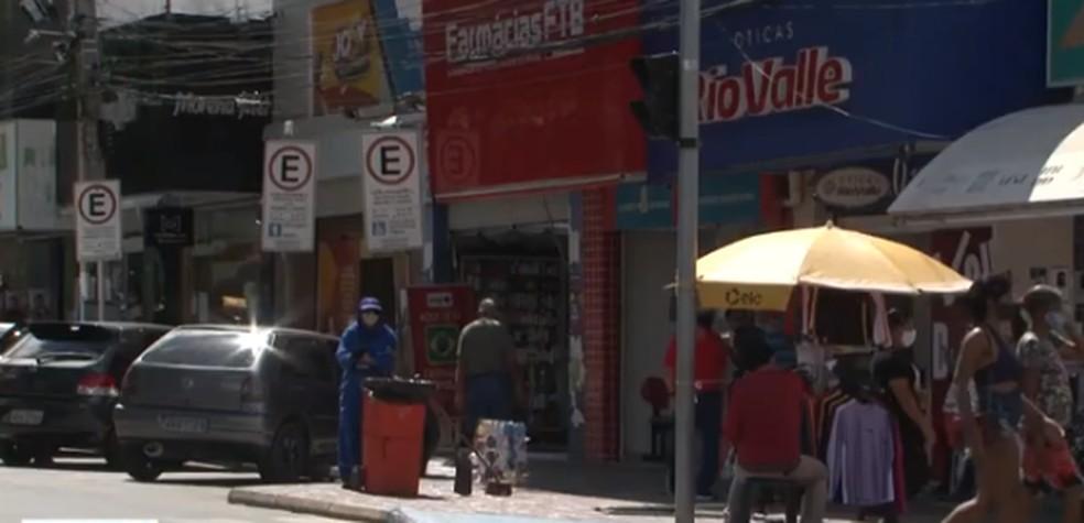 Comércio de Petrolina funciona normalmente — Foto: TV Bahia