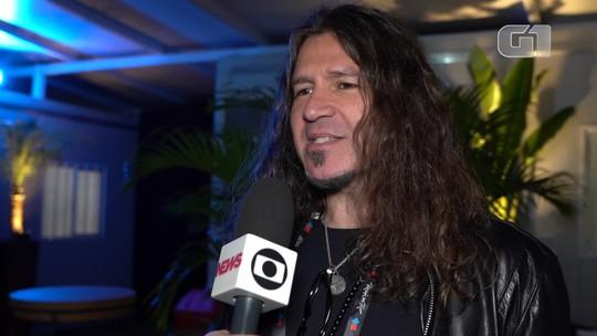 Bon Jovi poupa voz e tem ajuda dos parceiros? Guitarrista diz que banda sempre teve 'muitos vocais'