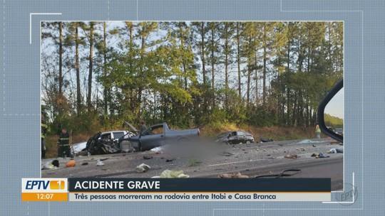 Morre terceira vítima do acidente envolvendo carros e carreta na SP-350 entre Casa Branca e Itobi