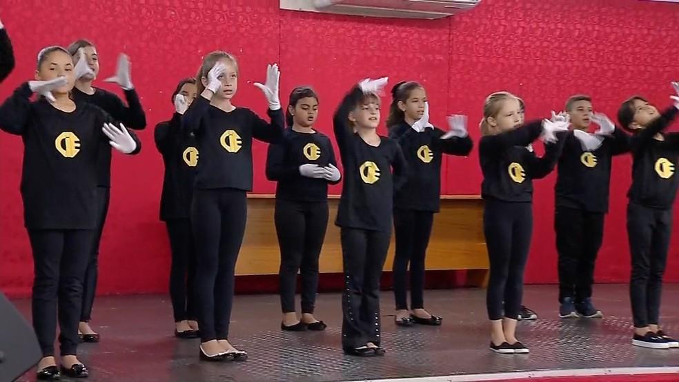 Cantata de Natal em Libras  — Foto: TVCA/ Reprodução