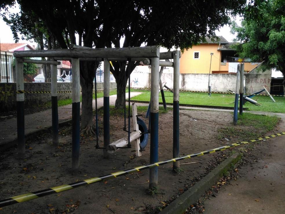 Vizinhos dizem que brinquedos da Praça estão abandonados e sem manutenção (Foto: Alessandro Batata/TV Diário)