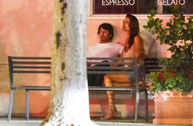Alessandra Ambrosio e Nicolò Oddi (Foto: Grosby Group)