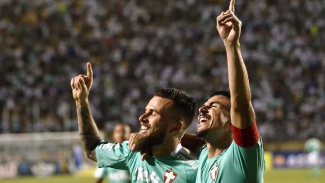 Lucas Lima e Willian festejam gol do Palmeiras