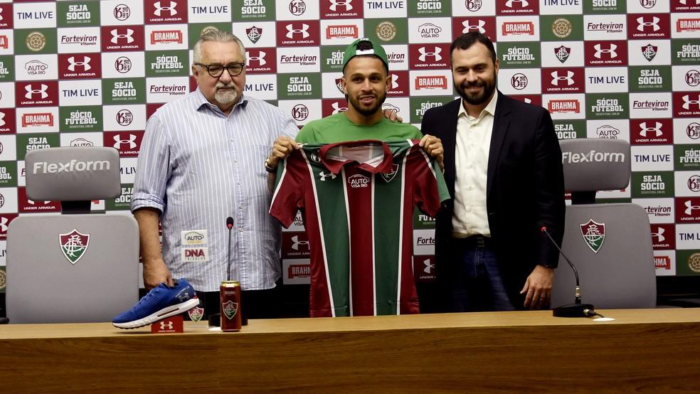Wellington Nem é apresentado pelo Fluminense — Foto: Mailson Santana / FFC