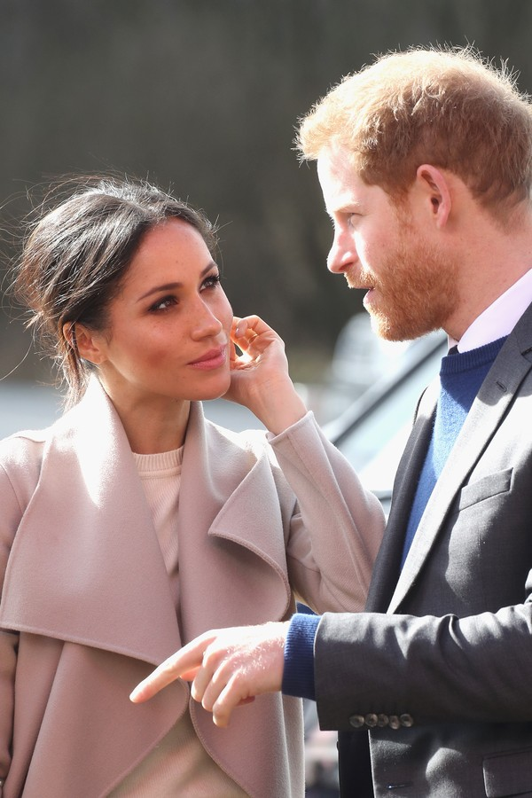 LISBURN, NORTHERN IRELAND - MARCH 23:  Prince Harry and Meghan Markle visit the Eikon Centre and attend an event to mark the second year of the youth-led peace-building initiative 'Amazing the Space' on March 23, 2018 in Lisburn, Nothern Ireland.  (Photo  (Foto: Getty Images)