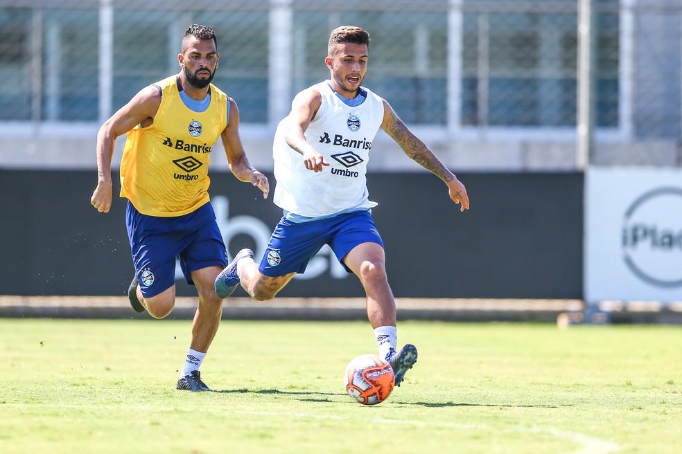 Maicon e Matheus Henrique não devem iniciar 2020 no grupo gremista — Foto: Lucas Uebel/Grêmio